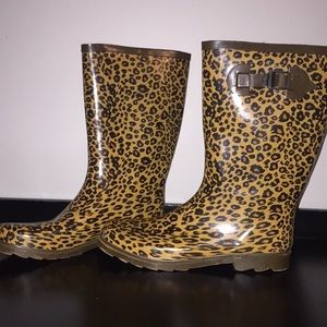 Shoes - Cheetah Rainboots